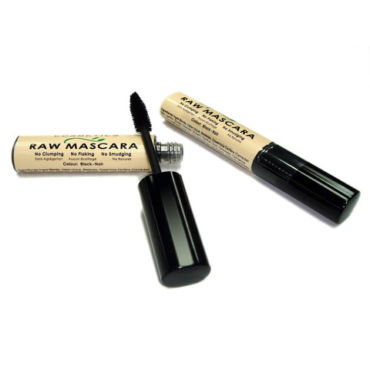 {Review} Earth Lab Cosmetics – Vegan Mascara That Works!